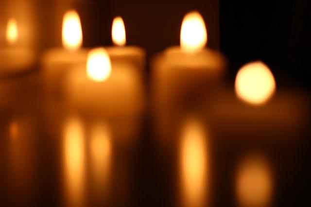 candles-blur